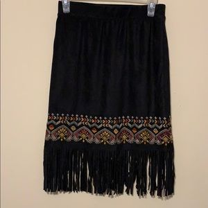 Umgee faux suede embroidered skirt w/tassels small